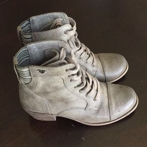 Roxy PACSUN Lace Up Boots Size 7.5